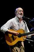 Paul Stookey Performing