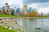 Постер, плакат: Вид в центре города в Ванкувере Канада от Portside парка