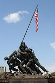 foto of iwo  - Statue memorial from the picture of the Marine Corps raising the flag on Iwo Jima - JPG