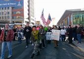 Indianapolis-5: Protest During Super Bowl