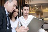 Estilo de vida de família asiático