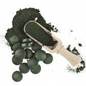 pic of green algae  - Spirulina algae green powder and tablets in spoon  - JPG