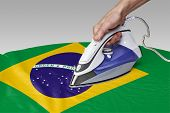 picture of iron star  - Steam iron for smooth out the wrinkles of Flag from Brazil - JPG