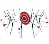 Muitos arcos e flechas todos visam o mesmo destino, na esperança de obter um