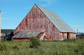 picture of klamath  - An old barn in route to Klamath Falls Oregon - JPG