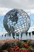 1964 New York World fair Unisphere in leeren Wiesen Park, New york