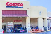 Sacramento, Usa - September 19: Costco Supermarkt am 19. September 2013 In Sacramento, Kalifornien