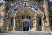 Barcelona - Sagrat Cor de Jesus - portal