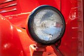 ������, ������: Old Car Headlight Retro Style Red Classic