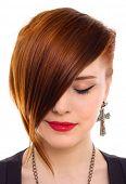 Porträt des Stils, die schöne rote Haare Frau hautnah