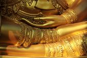 Buddha meditieren