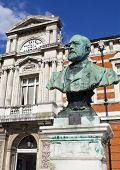Sir Henry Tate Statue Outside The Tate Public Library In Brixton.