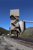 Train tracks coal dispenser in mines