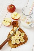Healthy Breakfast: Preparation Of Apple Banana Smoothie