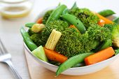 foto of mange-toute  - Broccoli salad with carrot  - JPG