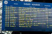Постер, плакат: Таблица вылета в европейской транспортной станции