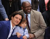 LOS ANGELES - APR 02:  Orlando Bloom, Flynn Bloom & Forest Whitaker arrives to the Walk of Fame hono