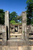 pic of vihara  - Polonnaruwa ruin was the second capital of Sri Lanka after the destruction of Polonnaruwa - JPG