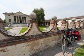 Fratta Polesine (rovigo, Veneto, Italy) - Villa Badoer And Bicycle