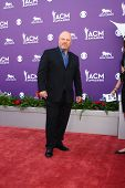 LAS VEGAS - MAR 7:  Michael Chiklis arrives at the 2013 Academy of Country Music Awards at the MGM Grand Garden Arena on March 7, 2013 in Las Vegas, NV