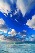 sea �?�¢??�?�¢??waves and cloudy sky