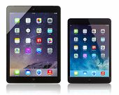 Apple Ipad Air And Ipad Mini Displaying Homescreen