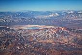 Vista aérea de vulcões no deserto de Atacama, Chile