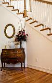 Foyer mit einer Treppe