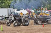 International Mr. Black Tractor Pulling