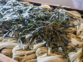 Buckwheat noodle with seaweed
