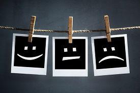 image of emoticon  - Happy - JPG