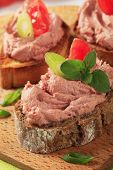 picture of canard  - Fresh pate sandwiches with herbs - JPG