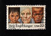 EUA - por volta de 1986: Um selo impresso em mostra o EUA a fome e a inscrição