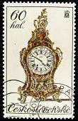 Tschechoslowakei circa 1978: gedruckte in der Tschechoslowakei Briefmarke zeigt antiken Mantel Uhr, ca. 197