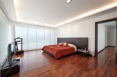 Interior design: Modern big bedroom