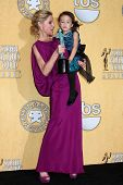 Julie Bowen, Aubrey Anderson-Emmons at the 18th Annual Screen Actors Guild Awards Pressroom, Shrine