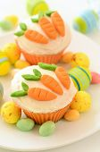 Easter Cupcakes With Candy Carrots