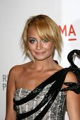 Nicole Richie at LACMA presents