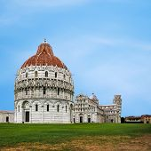 Piazza dei Miracoli and the leaning tower of Pisa, Italy
