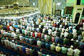 Tarawih Prayers The Muslims