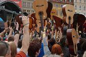 Guitars World Guinness Record