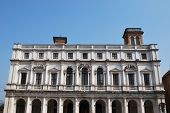 Biblioteca de Palacio, Bergamo