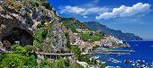 cênica Costa Amalfitana, vista panorâmica com caverna e serpentina road