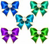 Festive Bows With Diamonds