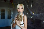 pic of meerkats  - Bride with meerkat in flat waiting her groom - JPG