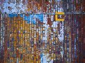 Wetter Ziegelmauer
