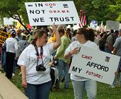 Dallas Tea Party Mom Daughter W Signs