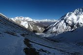Foot path from Tilicho Lake to Tilicho Base Camp