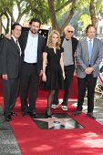 LOS ANGELES - JAN 29: Peter Roth, Jeremy Sisto, Cheryl Hines, Larry David, Kevin Nealon at a ceremon