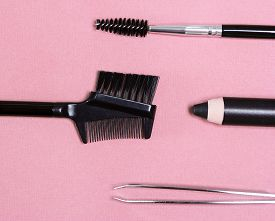 pic of eyebrows  - Accessories for care of brows - JPG